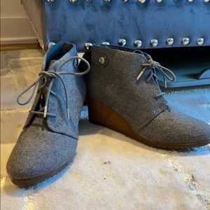 Dr School's grey flannel wedge Ankle boot